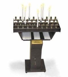 Traditioneller Kerzen bzw. Opferlichtständer