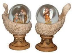Schneekugel mit christlichen Figuren
