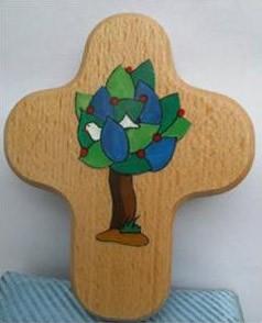 Kreuz mit biblischen Symbolen